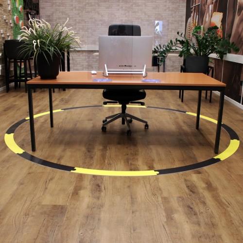Anderhalve meter vloersticker voor de werkplek