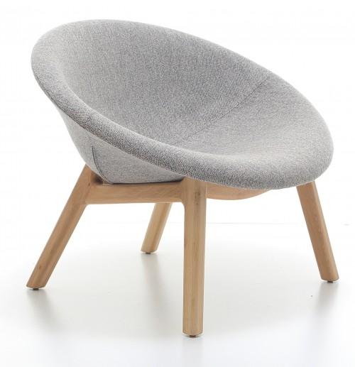 Fauteuil Pana met eiken poten - nieuwe collectie lounge meubelen