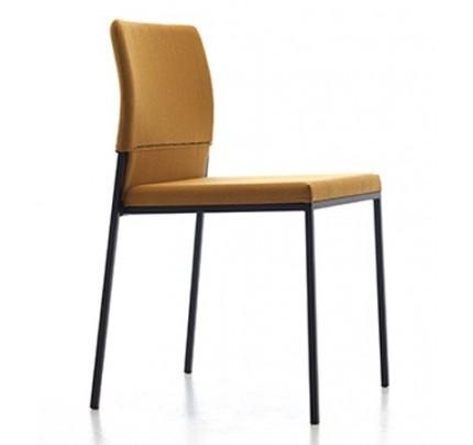 Gestoffeerde stoel Hat 803