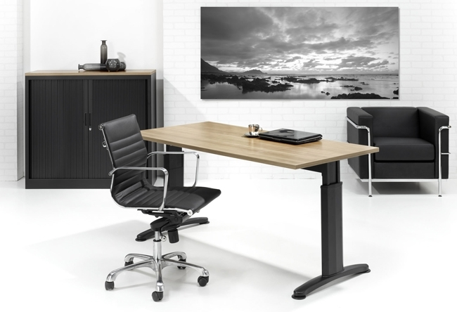 In hoogte instelbaar bureau double t werkplekken mv kantoor
