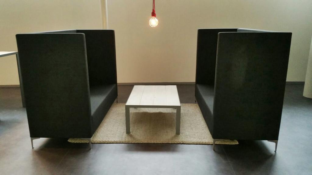 2. Inrichting met akoestisch zitmeubilair