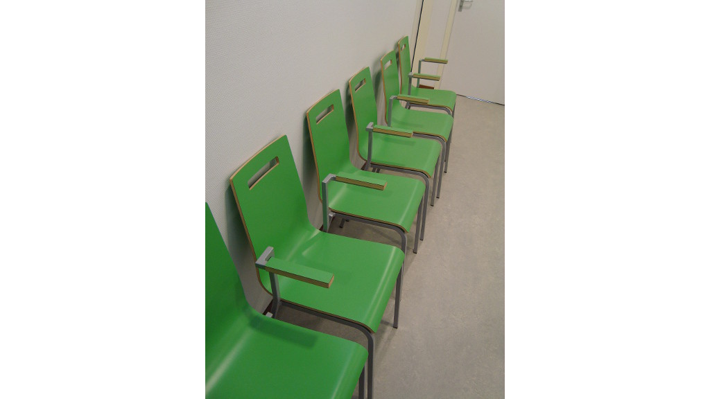 Wachtkamer inrichting - oscar stoelen_1024x576